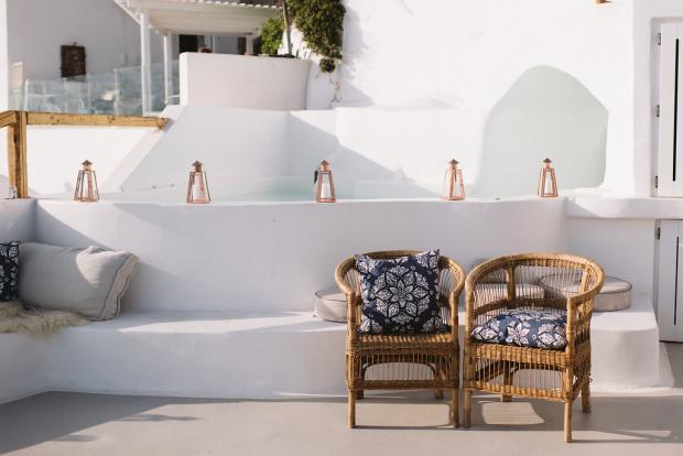 Bohemian wedding details - Cocoon Suites Santorini