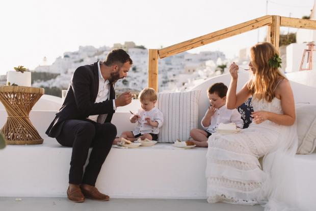 Family elopement in Greece
