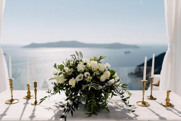 White wedding centrepiece