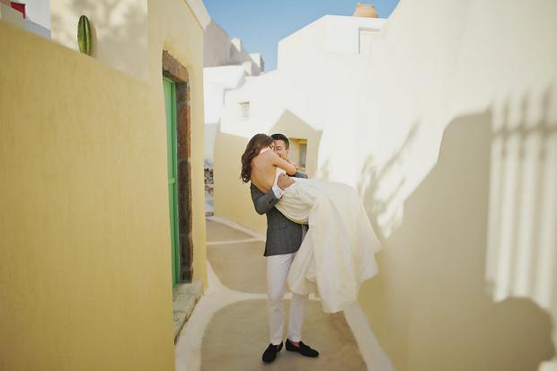 Lush elopement in Santorini Greece