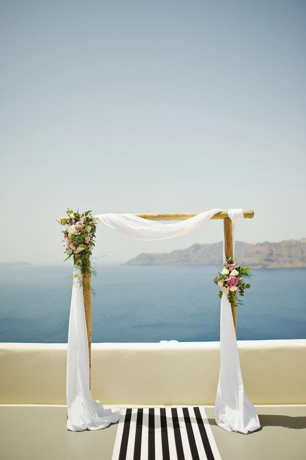 Wedding arch-black & white wedding