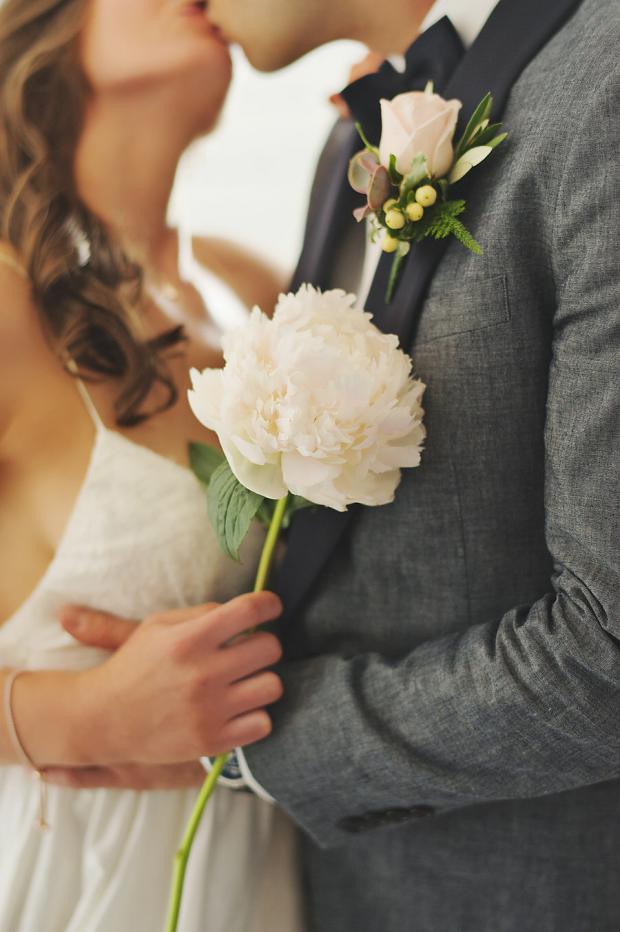 Sweet wedding moments-peony