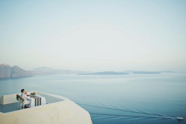 Stylish elopement in Santorini-Tie the knot in Santorini
