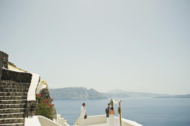 Stylish elopement in Greece