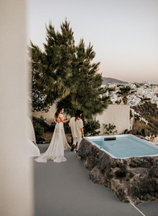 Adventurous elopement in Greece- Santorini