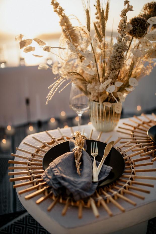 Boho romantic dinner-elopement in Greece