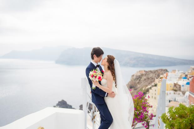Romantic wedding in Santorini