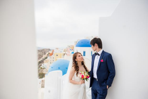 Wedding in Santorini-blue dome church