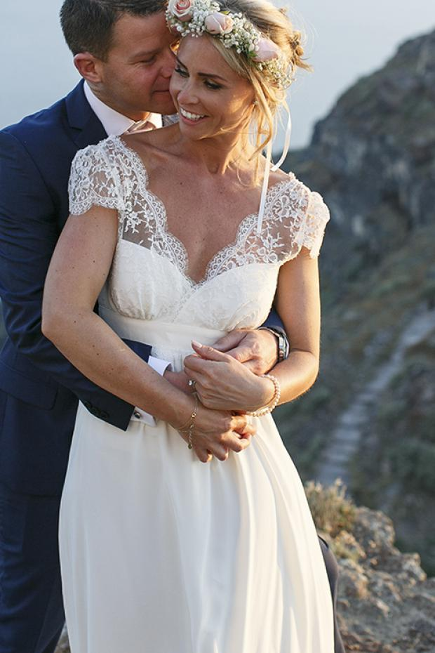 Romantic Santorini wedding