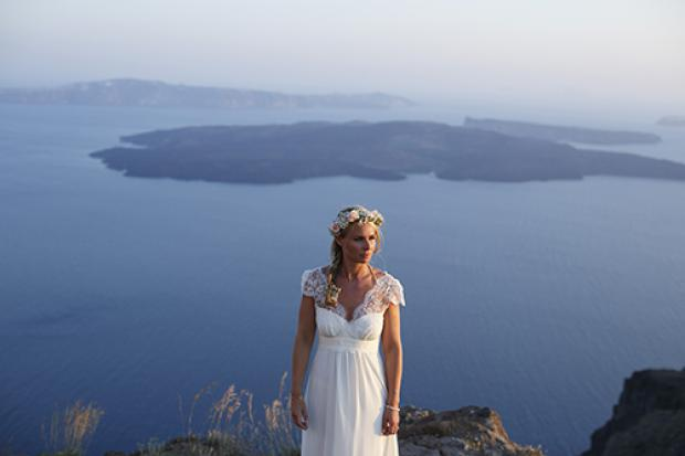 Bohemian bride - Santorini wedding