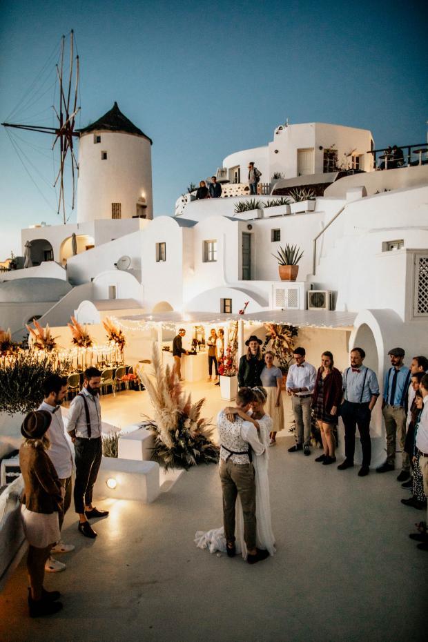 First dance- modern wedding in Greece