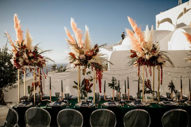 Pampas grass tall centrepiece and black candles