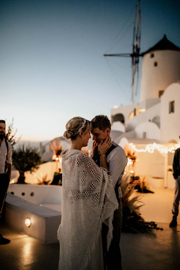 First dance- modern wedding in Greece