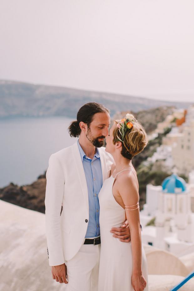 Modern wedding in Santorini