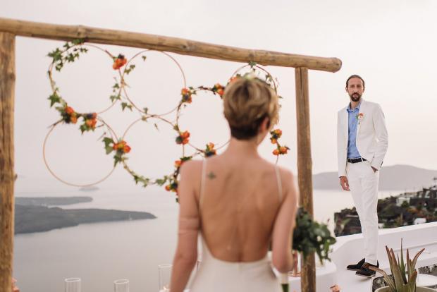 Bohemian and modern wedding in Santorini