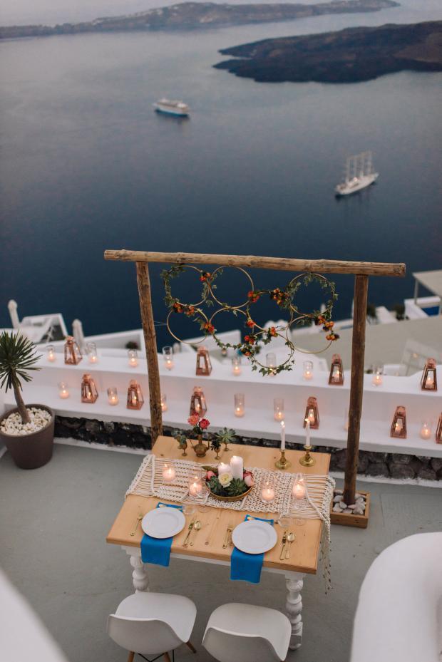 Elopement in Santorini-Sweetheart table