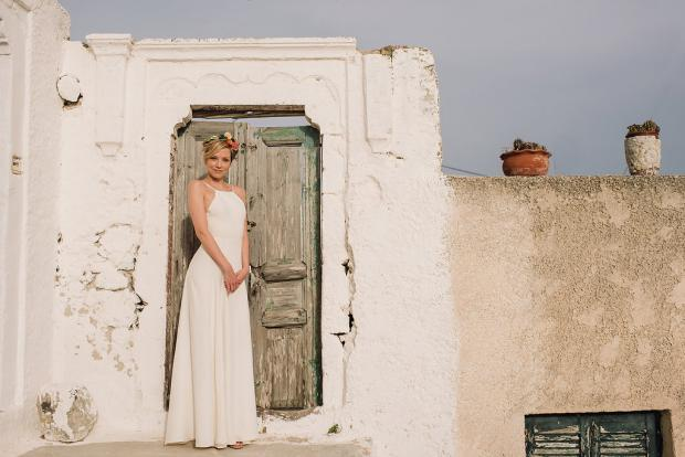 Bohemian bride in Santorini