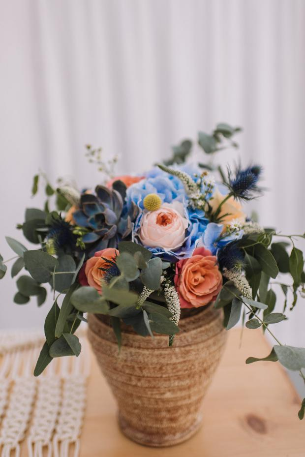 Peach and blue centrepiece