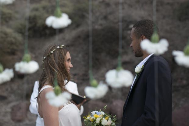 Boho wedding in Santorini-wedding ceremony