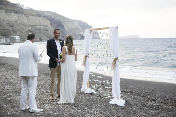 Beach wedding in Santorini-Tie the knot in Santorini