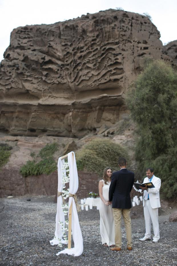 Boho style wedding in Santorini-Tie the knot in Santorini