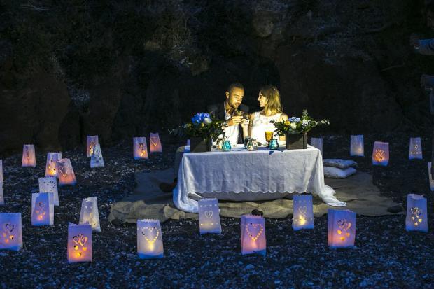 Santorini beach wedding-paper lanterns