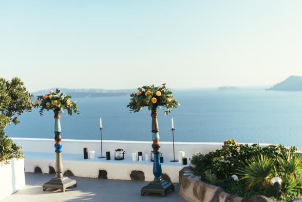 Santorini wedding-wedding altar