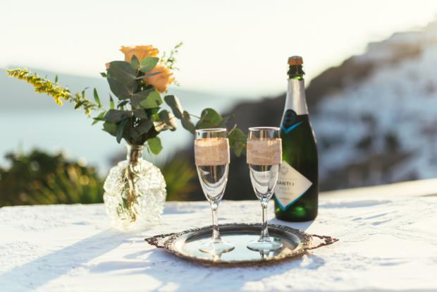 Santorini wedding-champagne toast