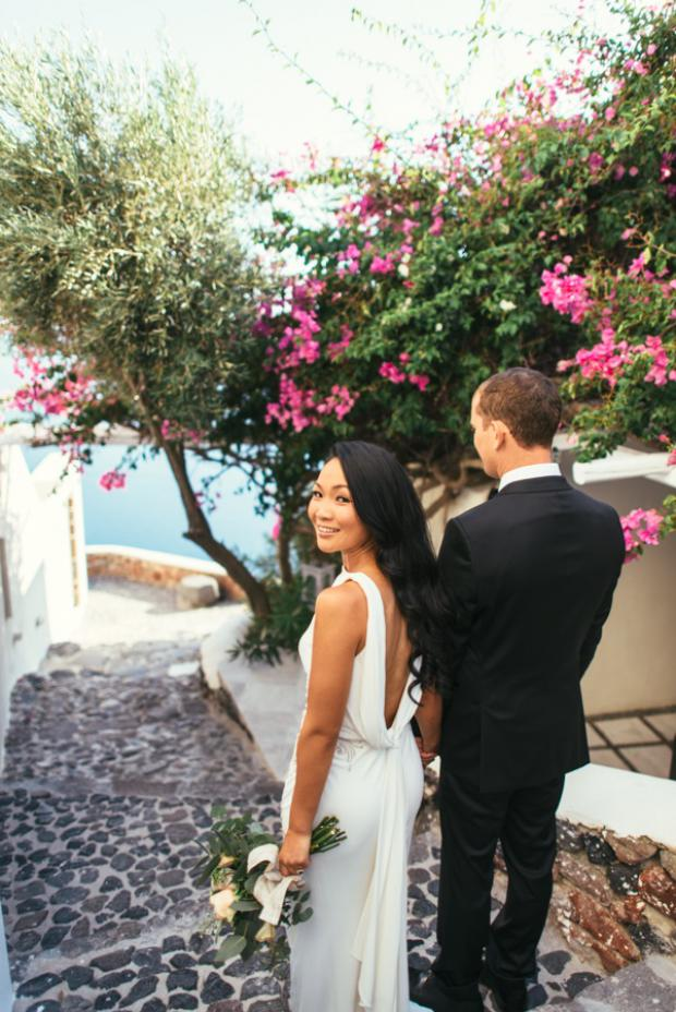 Elopement in Santorini