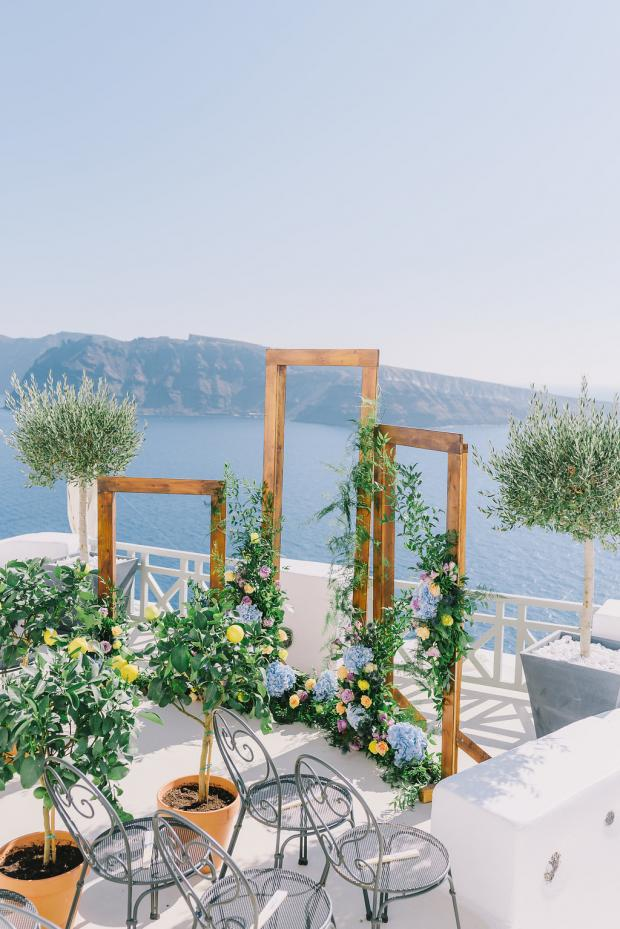 Frame wedding arch- Mediterranean wedding
