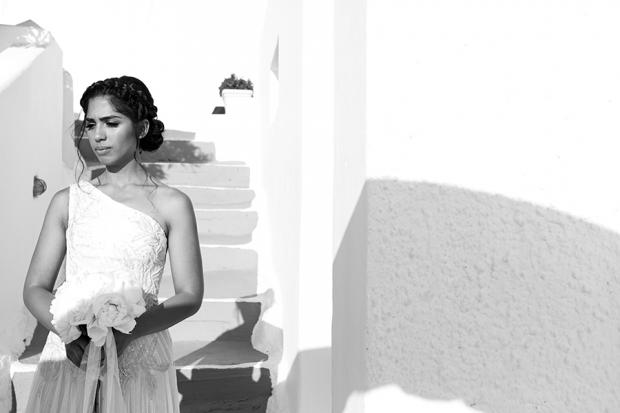 Gorgeous Santorini bride