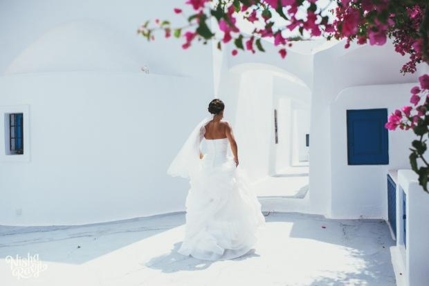 Santorini wedding-bougainvillea