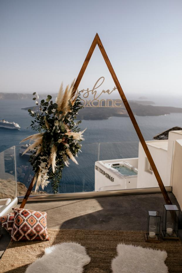 Triangle arch for a bohemian wedding