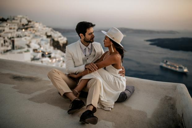 Modern and edgy wedding in Greece- bridal hat