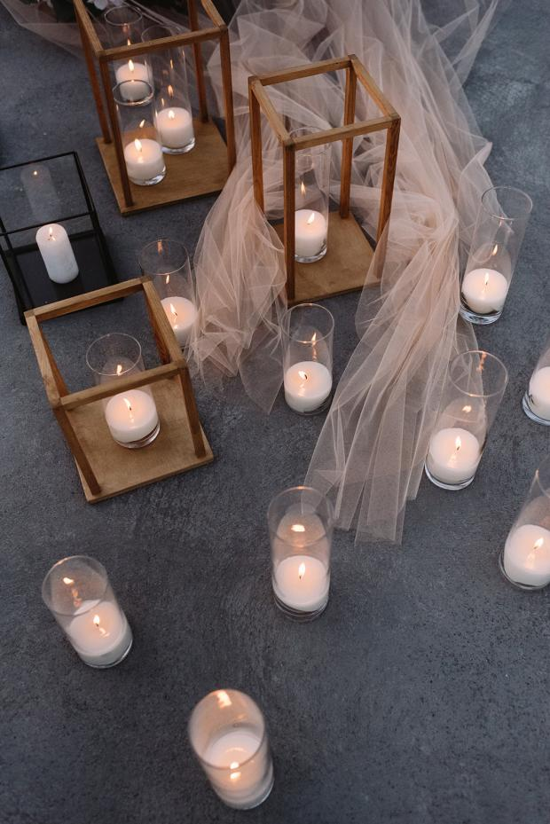 romantic elopement dinner - Greece- candles