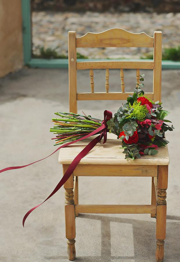 Boho wedding in Santorini-Marsala bouquet
