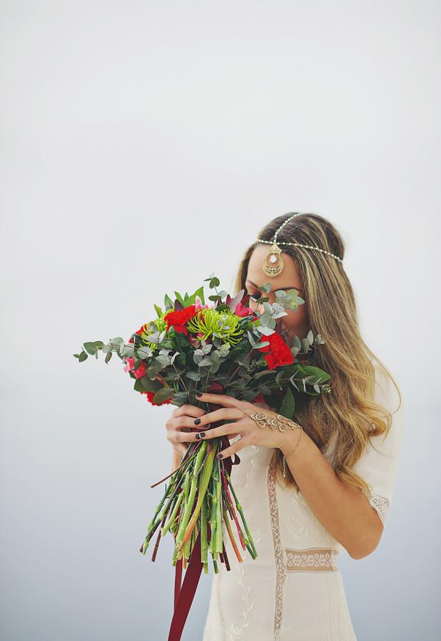 Boho wedding in Santorini- pretty bouquet and headpiece