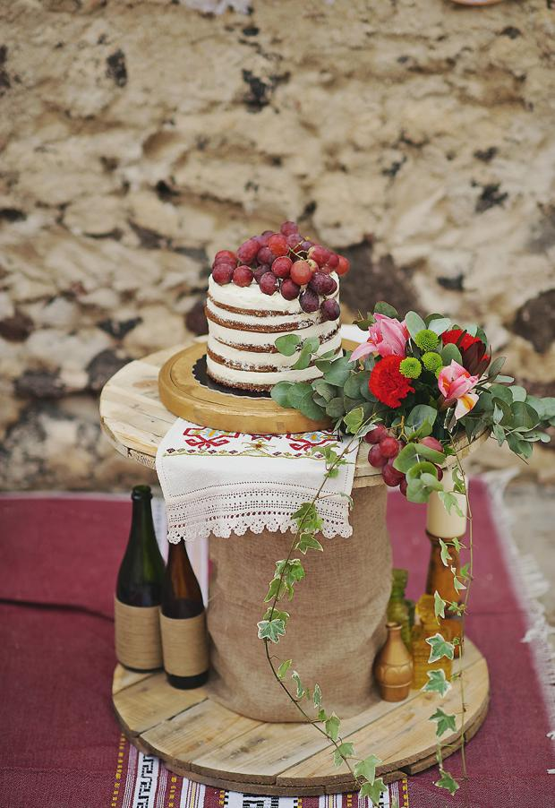 Boho wedding-naked cake