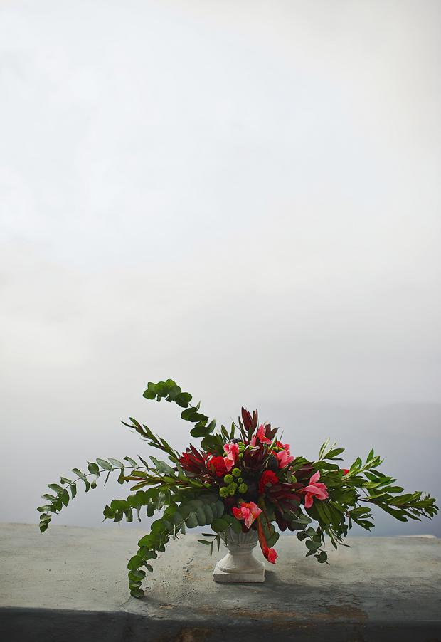 Santorini wedding-marsala and red centerpiece