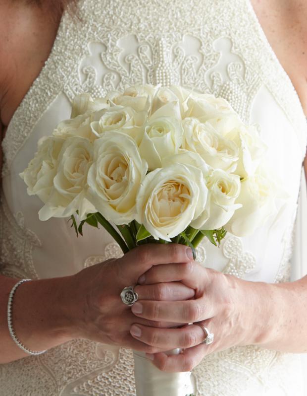 Wedding in Santorini-Bridal bouquet
