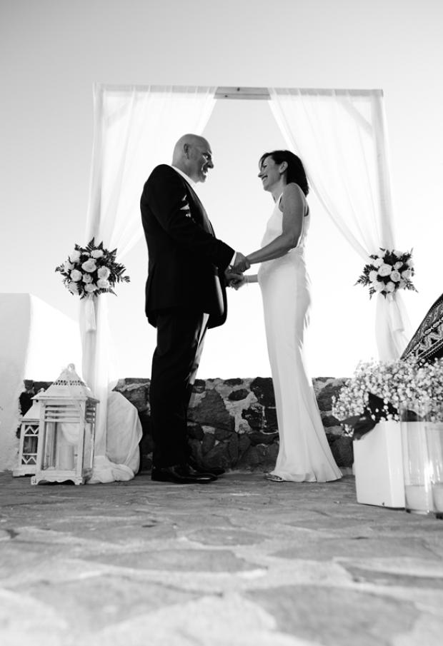 Wedding in Santorini-wedding ceremony