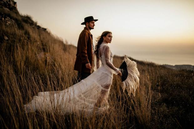 Pampas grass fan bouquet- wedding inspo