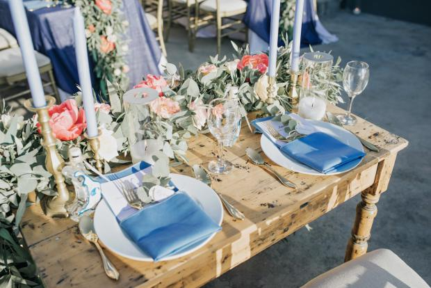 Pink and blue tablescape - blue napkins