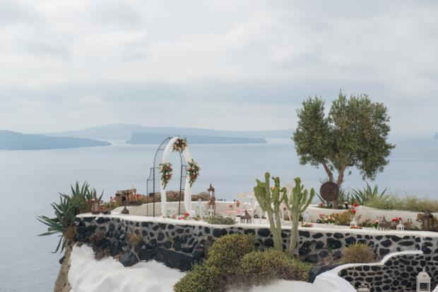 Luxury wedding in Santorini