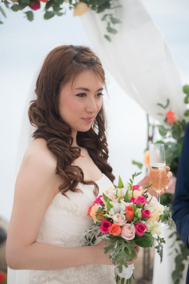 Santorini bride-bridal hairstyle