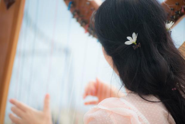 Santorini wedding-harpist