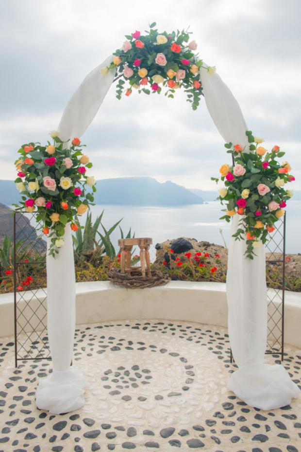 Santorini wedding-wedding arch