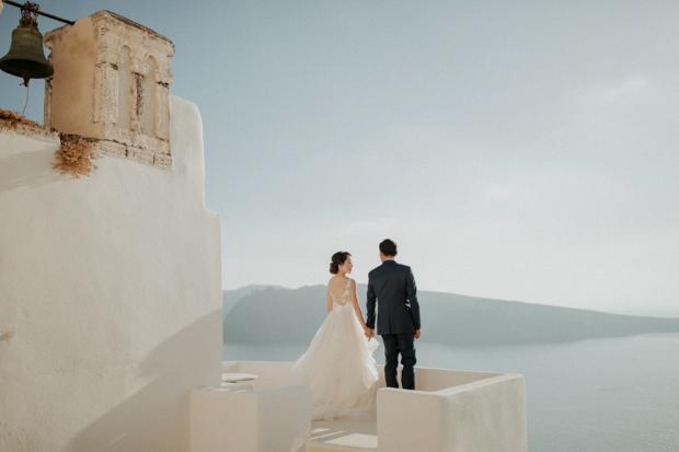 Destination microwedding in Greece