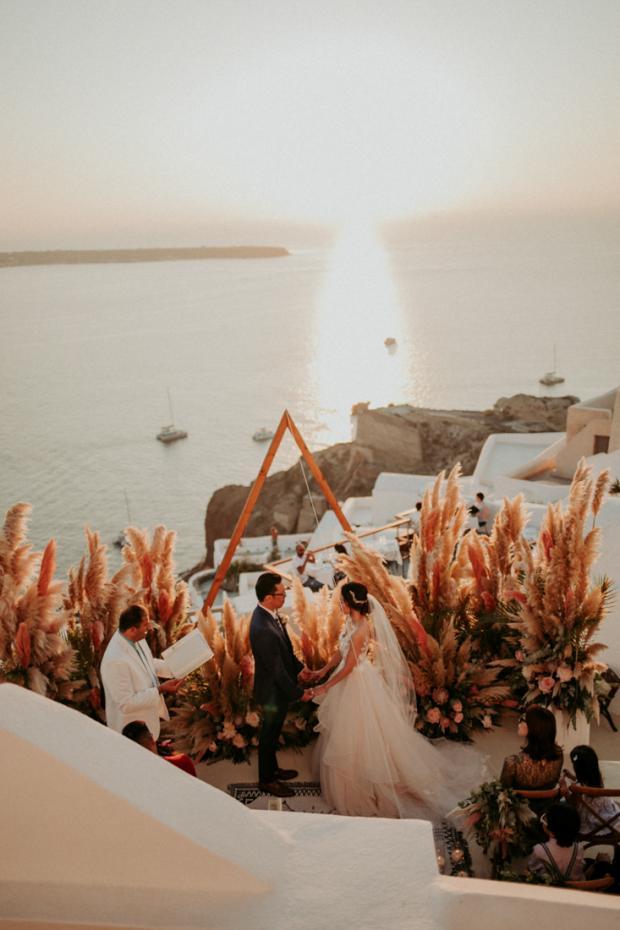 Pink pampas grass wedding ceremony- Europe  microwedding