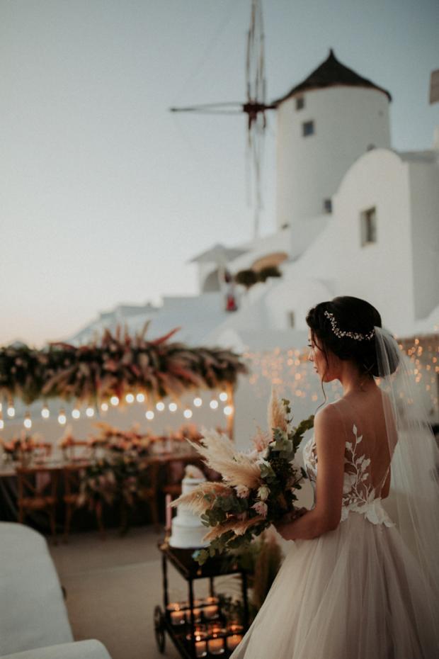 Wedding dinner- lights